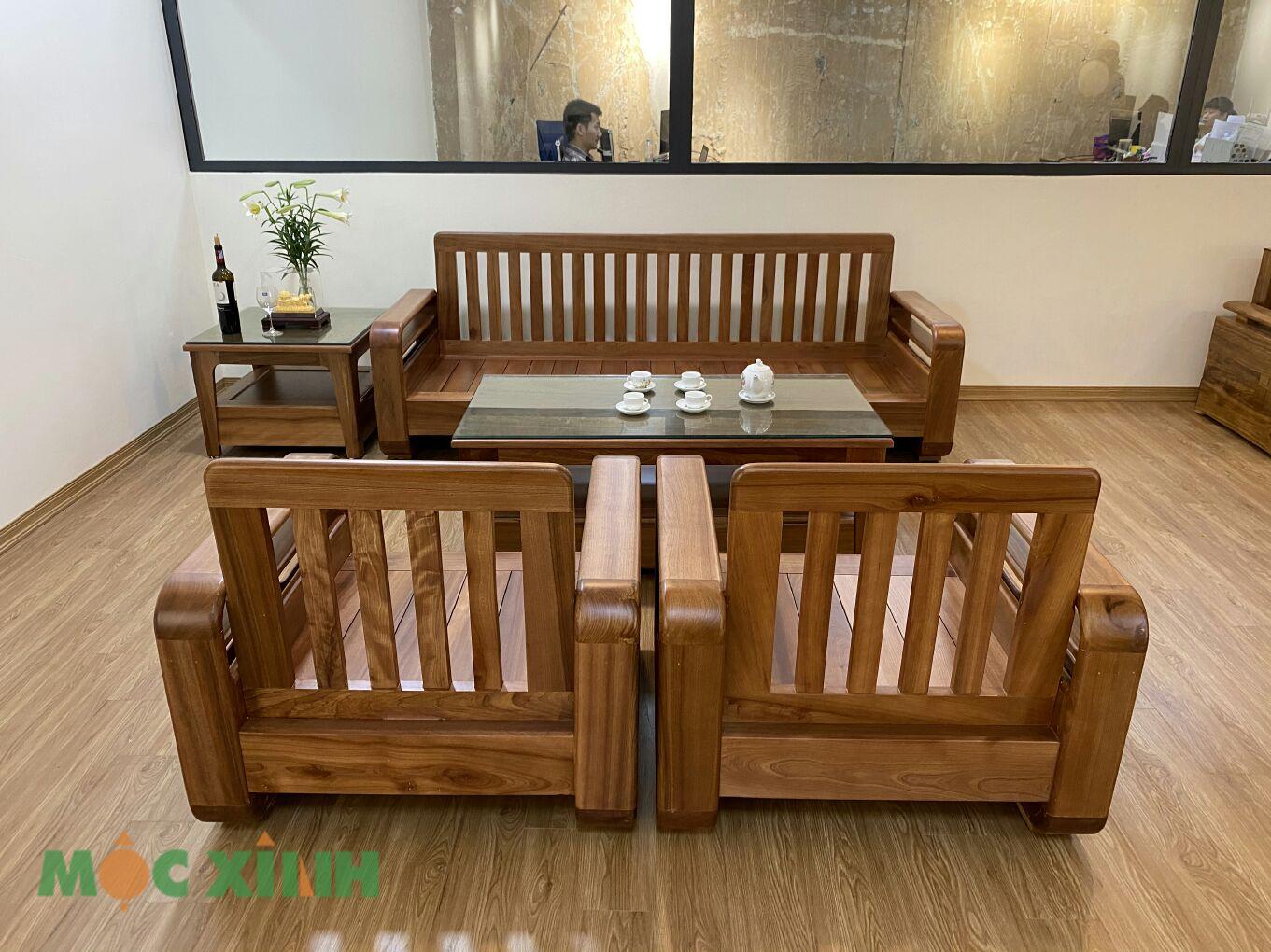 Bộ bàn ghế gỗ xoan có thể bố trí ở nhiều không gian