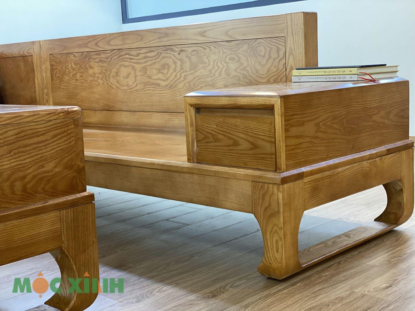 Phần ghế văng dài cũng có hộc ngăn kéo lớn