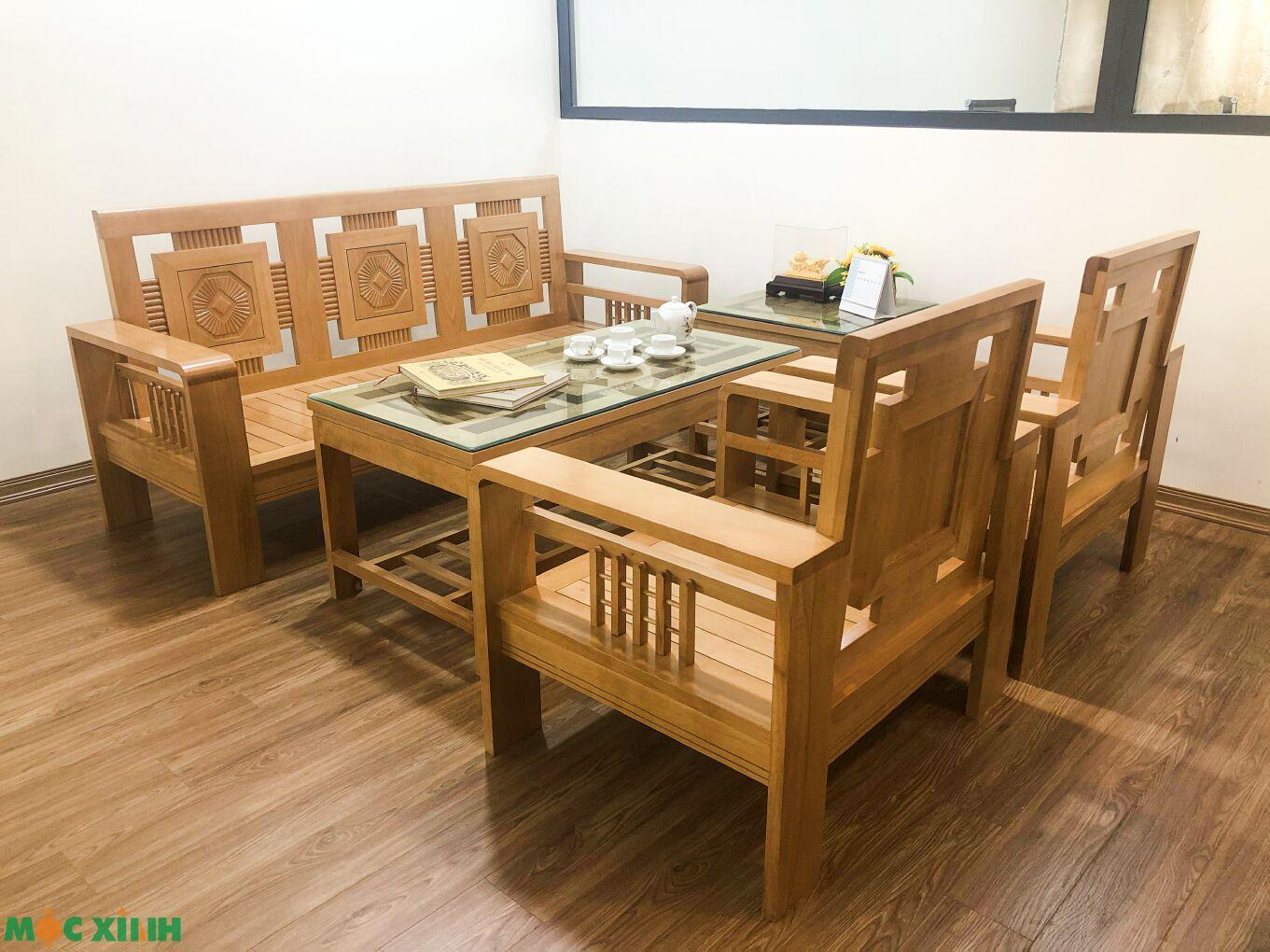 Mẫu bàn ghế phòng khách bằng gỗ sồi có thể dành làm nơi tiếp khách